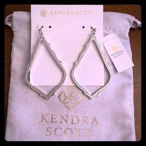 NWT Kendra Scott Silver Sophee Earrings